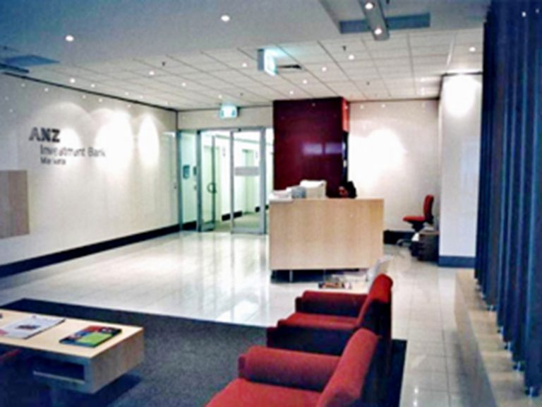 01-ANZ-Investment-Bank-Reception-area-hilustre-spray-painting